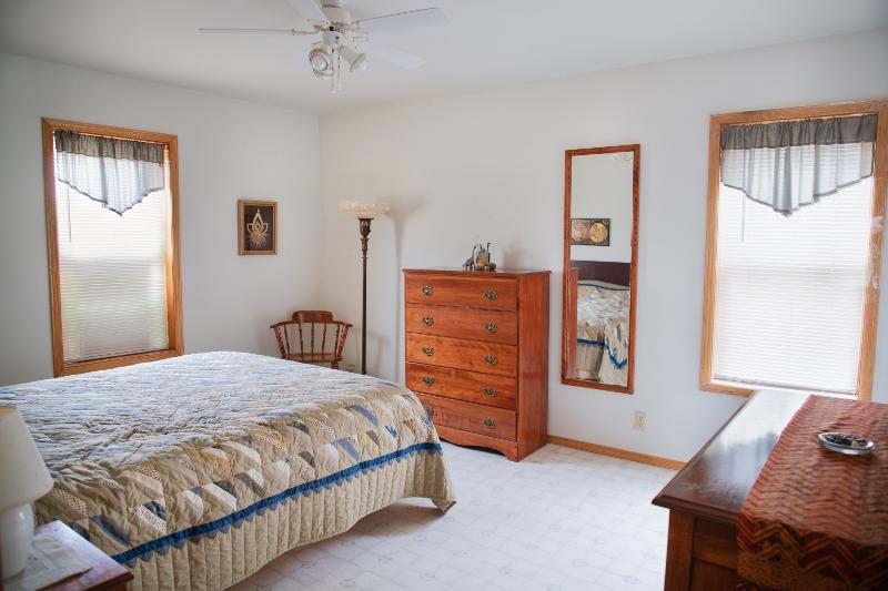 bedroom (800x533)